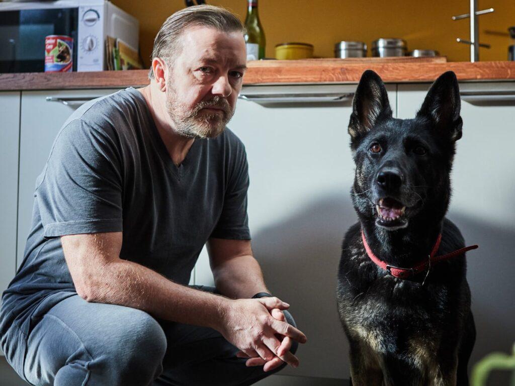Ricky Gervais als Tony und sein Serien-Hund Brandy in Afterlife